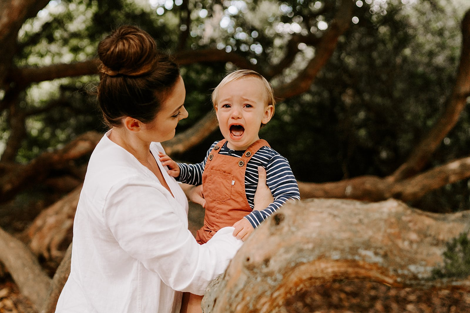 relaxed family photographer